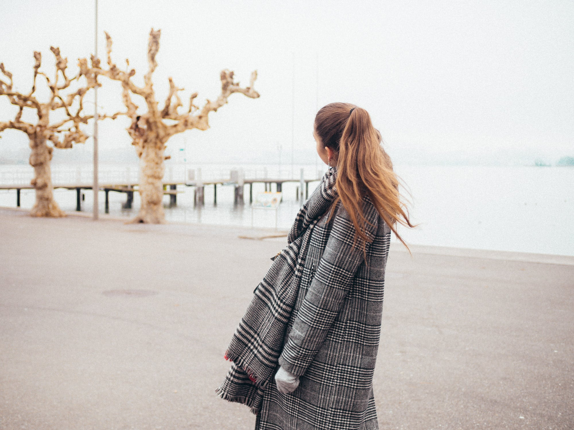 Checked-Coat/Chloé-Bag/Oversized-Coat/Outfit/Fashion/Outfitpost/Outfit-Photo/Lake