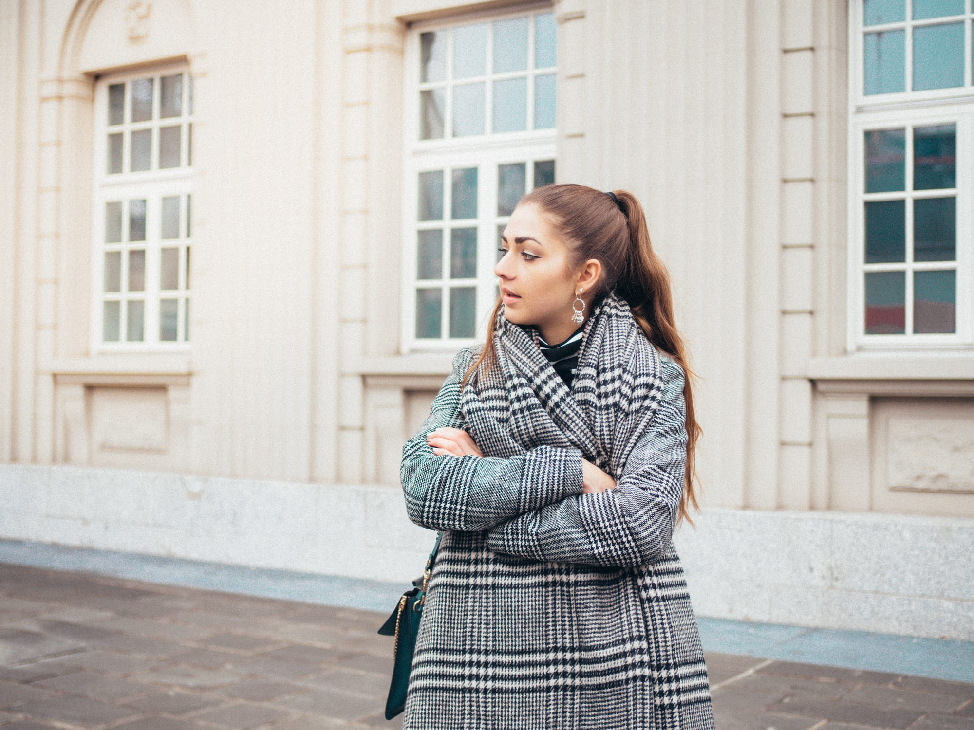Checked-Coat/Chloé-Bag/Oversized-Coat/Outfit/Fashion/Outfitpost/Outfit-Photo/Details