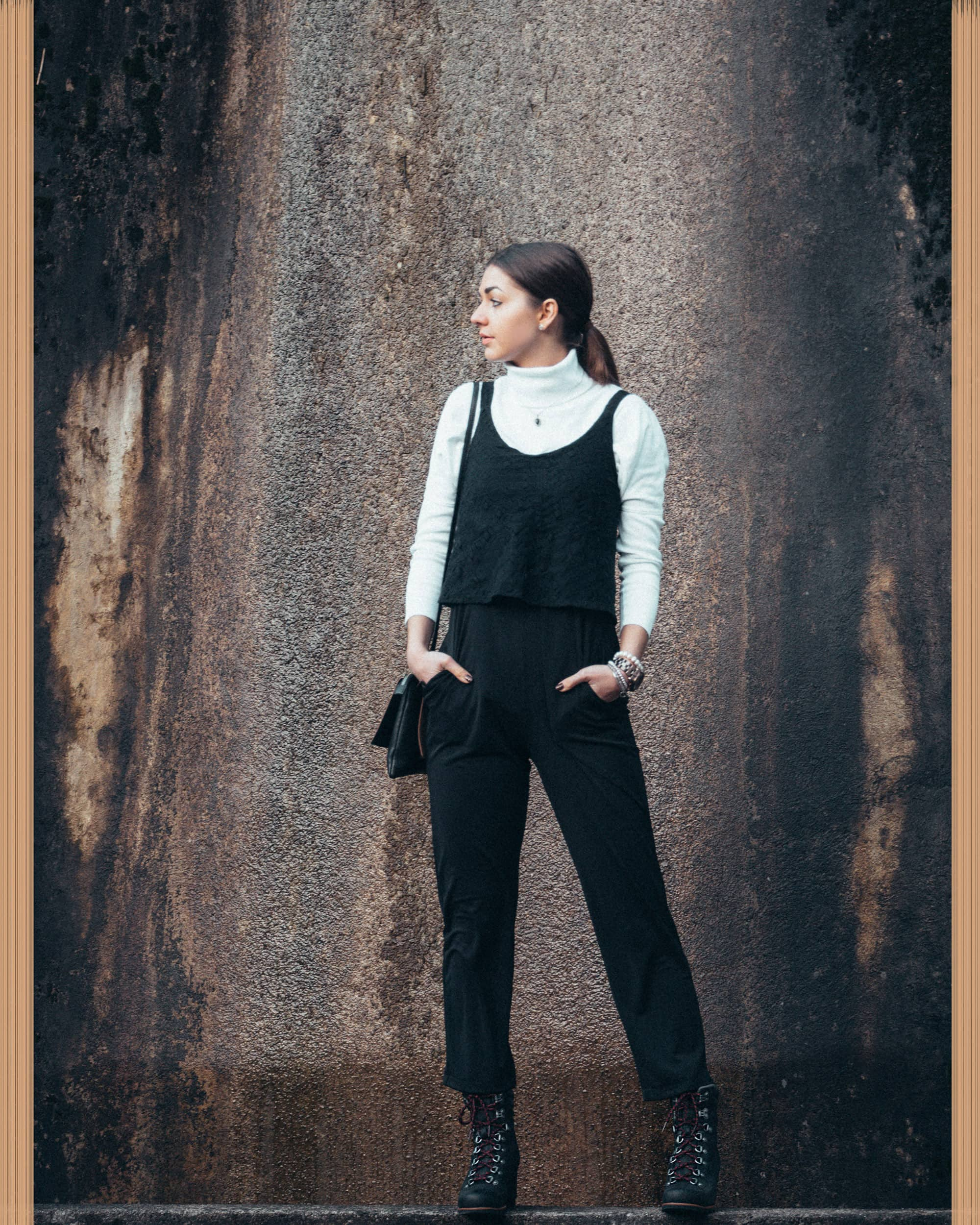 Minimalism/Black-and-white/Jumpsuit/Turtleneck/Sorel-boots/Clutch/Outfit/Inspiration/Classics/Fashion