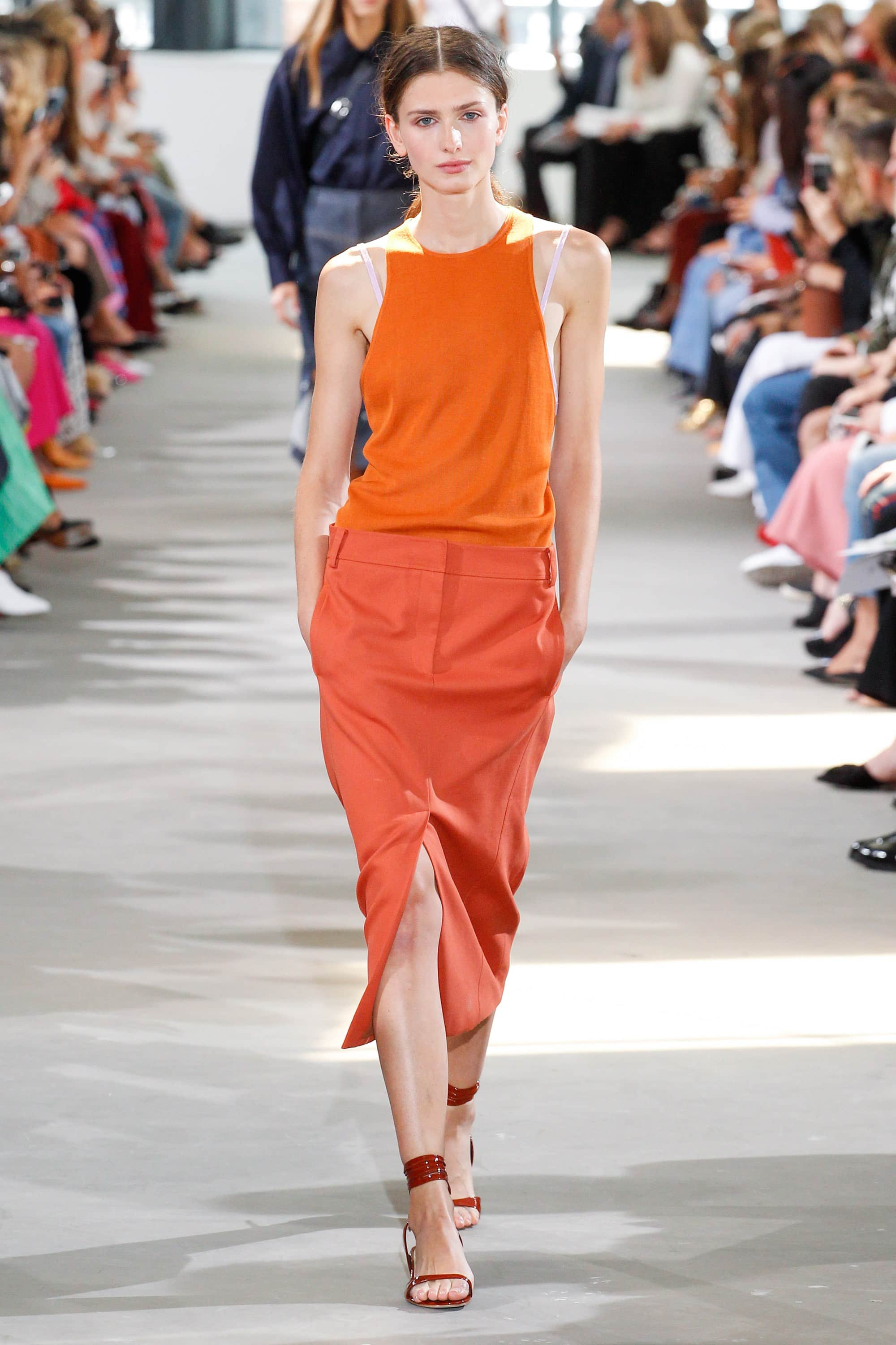 Outfit, Fashion, Fashion Show, Catwalk, Model, Model Life, Runway, Dress, Look, OOTD, Fashion Week, Trend Report, Trends, Trendy, SS18, Spring Summer 2018, NYFW, New York, New York Fashion Week, Runway Walk, Tibi, Orange, Pencil Skir