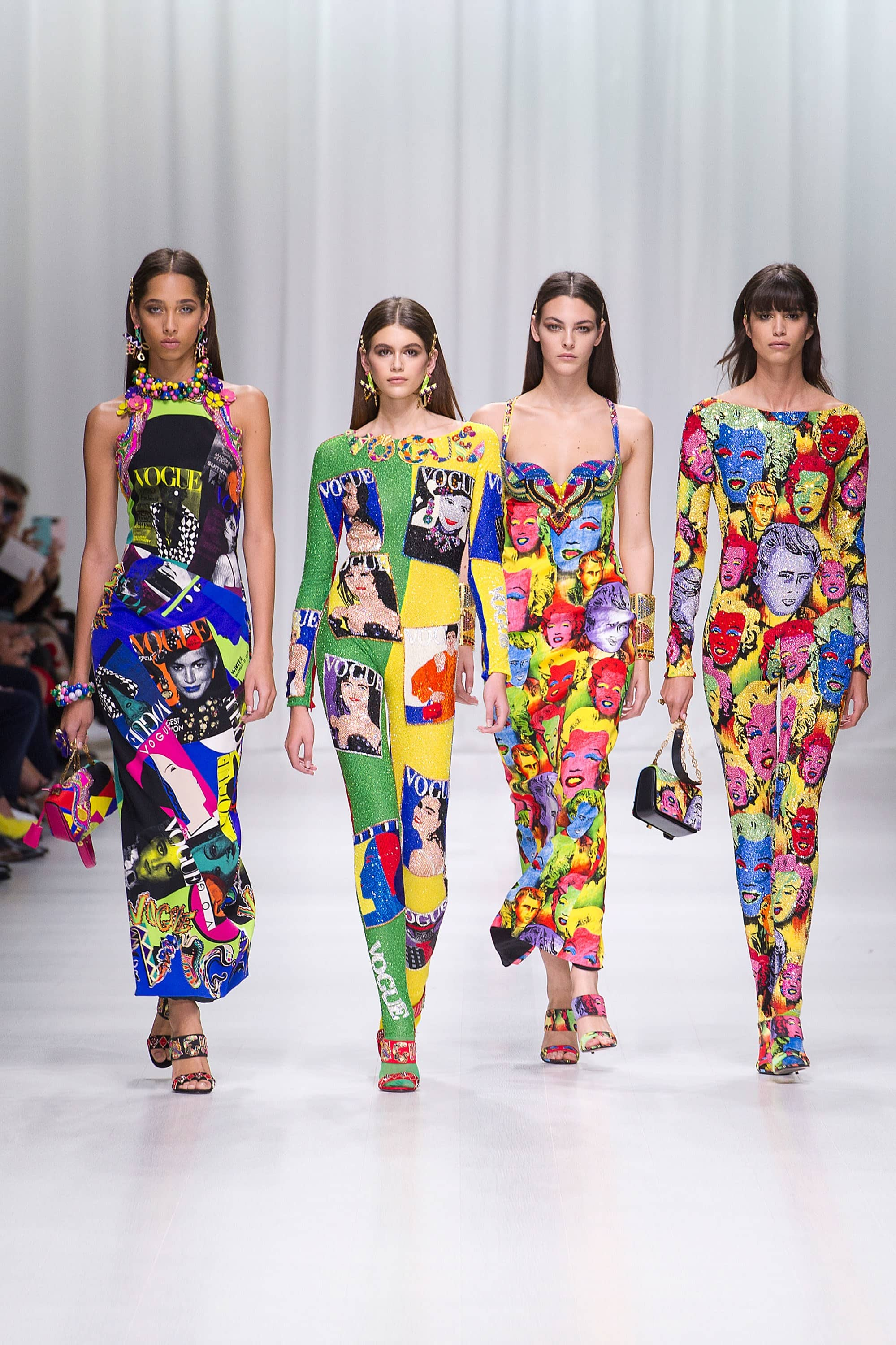 Outfit, Fashion, Fashion Show, Catwalk, Model, Model Life, Runway, Dress, Look, OOTD, Fashion Week, Trend Report, Trends, Trendy, SS18, Spring Summer 2018, NYFW, New York, New York Fashion Week, Runway Walk, Versace, Pop Art
