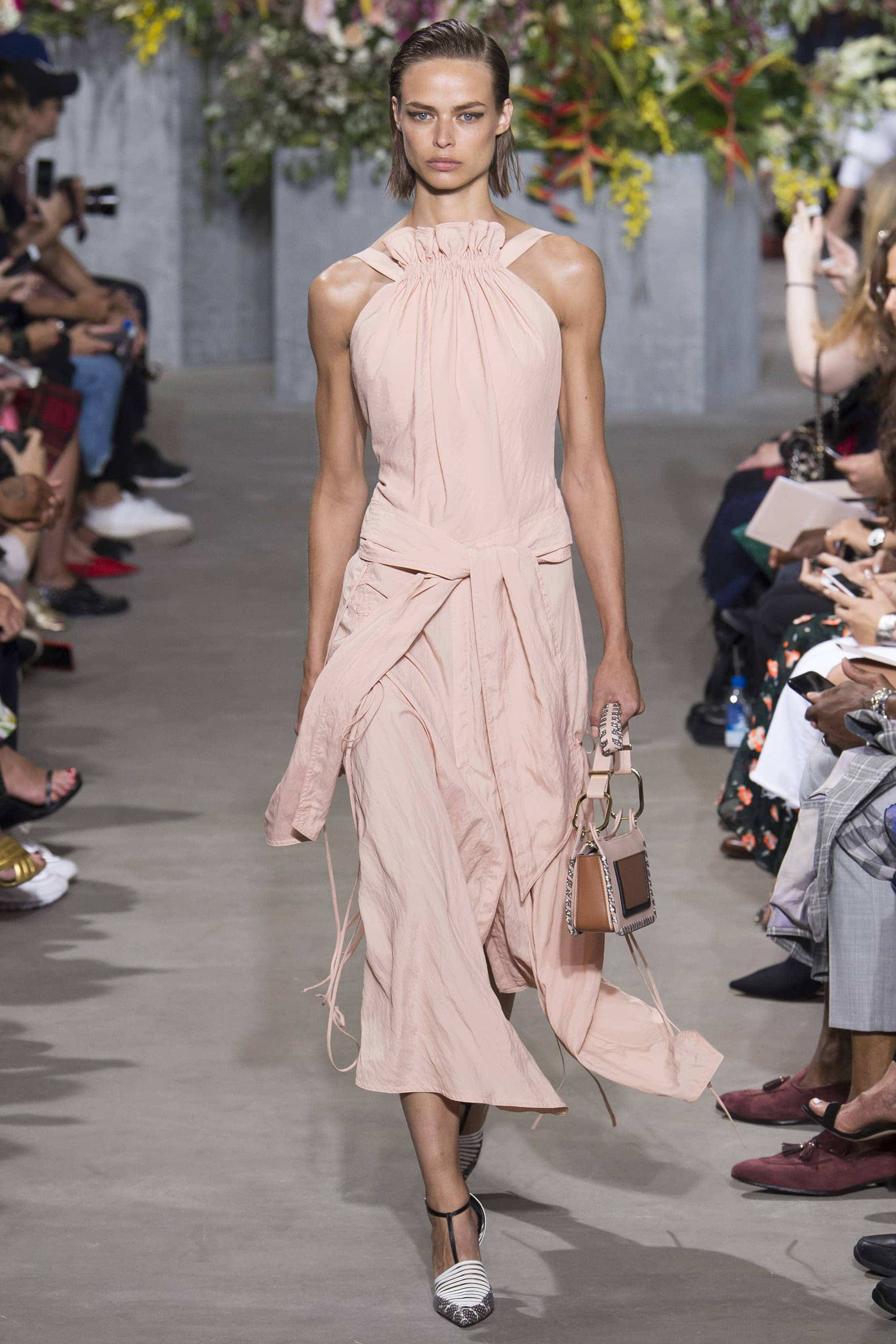 Outfit, Fashion, Fashion Show, Catwalk, Model, Model Life, Runway, Dress, Look, OOTD, Fashion Week, Trend Report, Trends, Trendy, SS18, Spring Summer 2018, NYFW, New York, New York Fashion Week, Runway Walk, Jason Wu, Orange, Pencil Skir