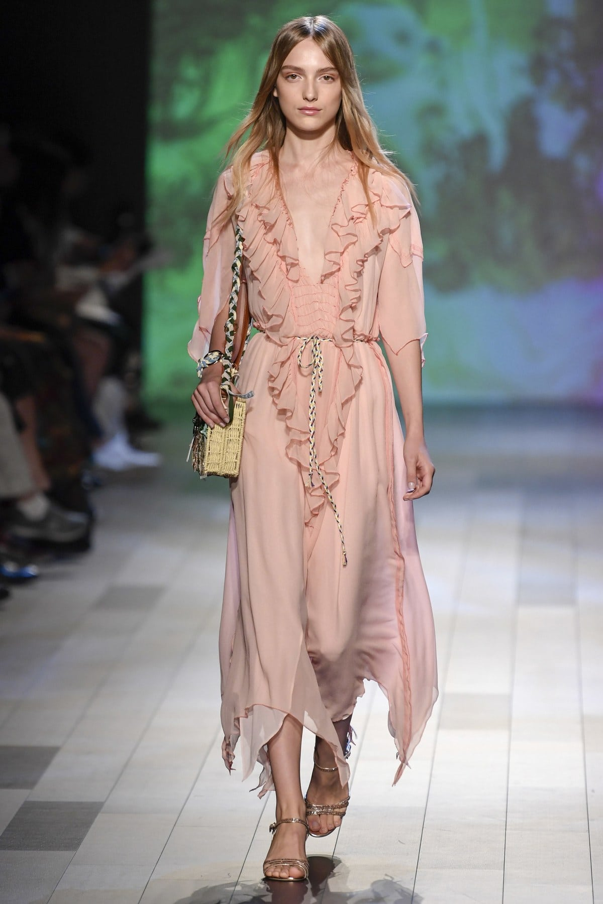 Outfit, Fashion, Fashion Show, Catwalk, Model, Model Life, Runway, Dress, Look, OOTD, Fashion Week, Trend Report, Trends, Trendy, SS18, Spring Summer 2018, NYFW, New York, New York Fashion Week, Runway Walk, Vivienne Tam, Orange, Pencil Skir
