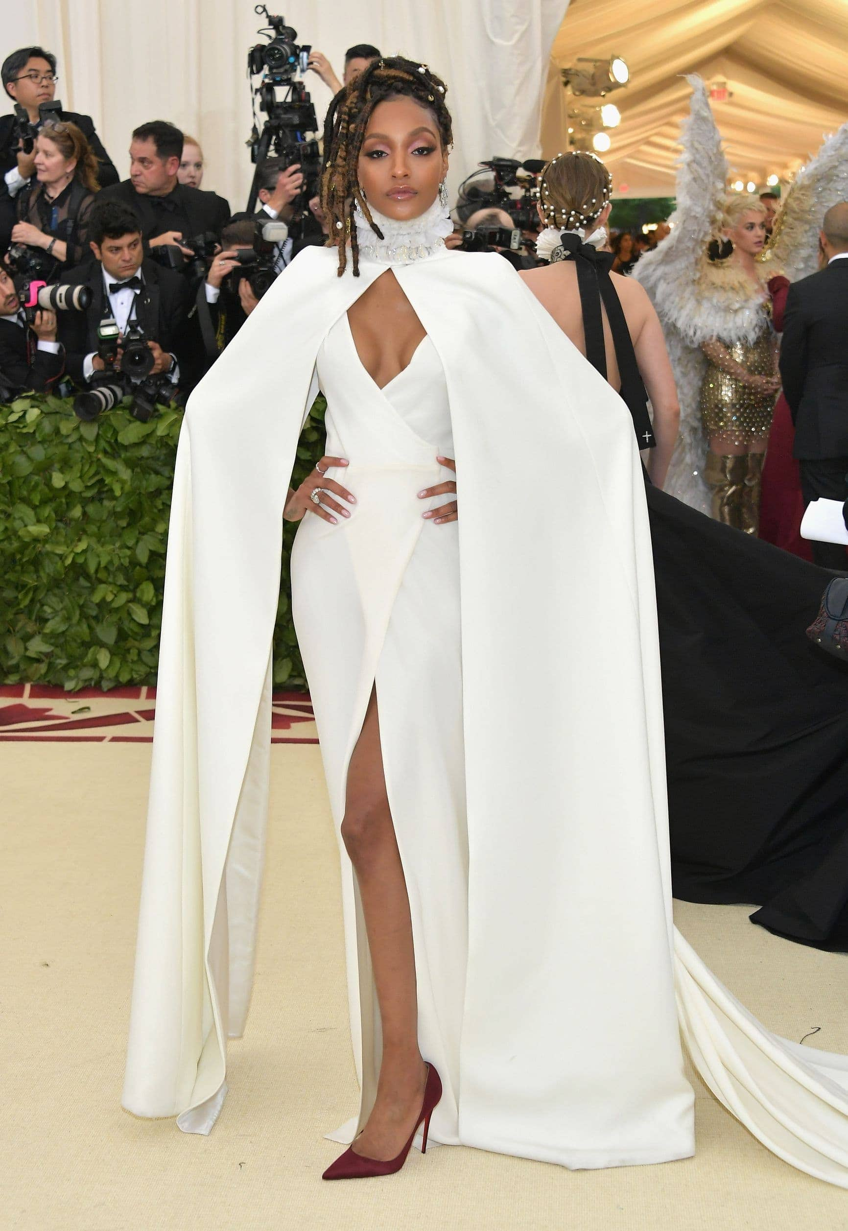 Fashion, Fashionblog, Fashion Magazine, Editorial, Style, Style Guide, Style Inspiration, Met Gala, New York, Fashion, Fashion World, Fashion Event, Glamour, Red Carpet, Celebrities, Gowns, Trends, Dresses, Princess Mood, Metallic, Silhouettes, Met Gala 2018, White