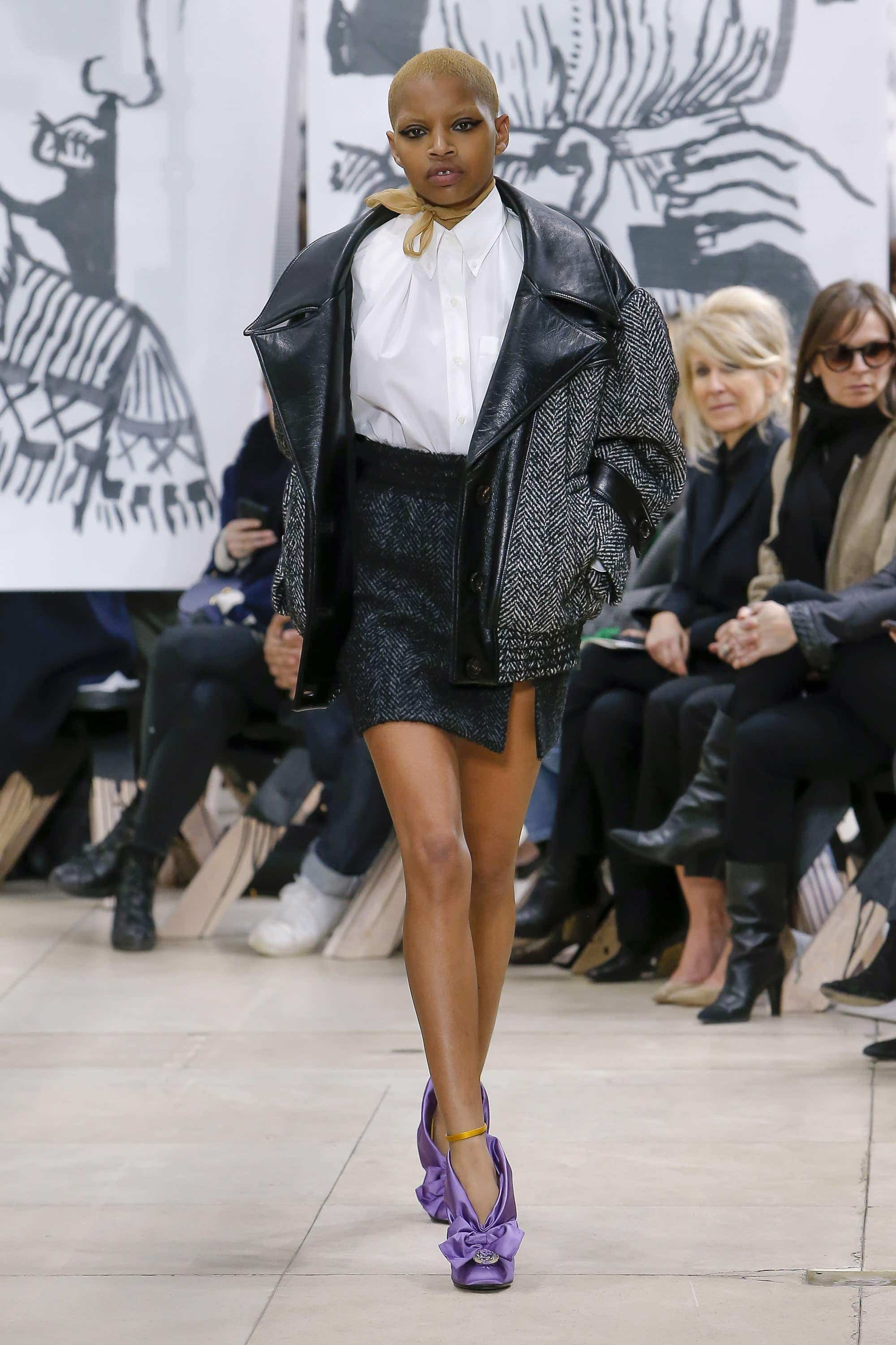 Fashion, Fashionblog, Fashion Magazine, Editorial, Style, Style Guide, Style Inspiration, Outift, OOTD, Outfit Inspiration, Inspo, Edgy, Stylish, Trends, Trend, Trendsetter, Runway, Runway Look, Catwalk, Fashion Week, Fashion Update, News, Moodboard, Trendy Tuesday, Miu Miu