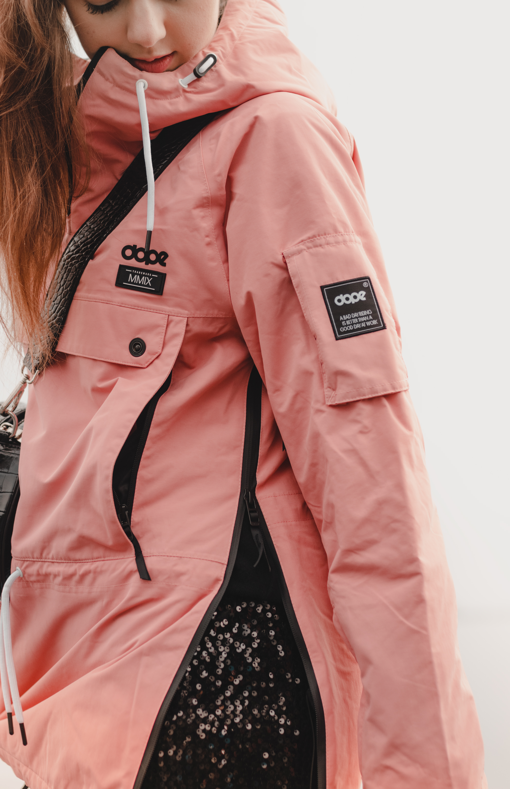 Fashion, Fashionblog, Fashion Magazine, Editorial, Style, Style Guide, Style Inspiration, Outift, OOTD, Outfit Inspiration, Inspo, Edgy, Stylish, Trends, Trend, Trendsetter, Fashion Update, News, Athleisure, Ski Jacket, Jacket