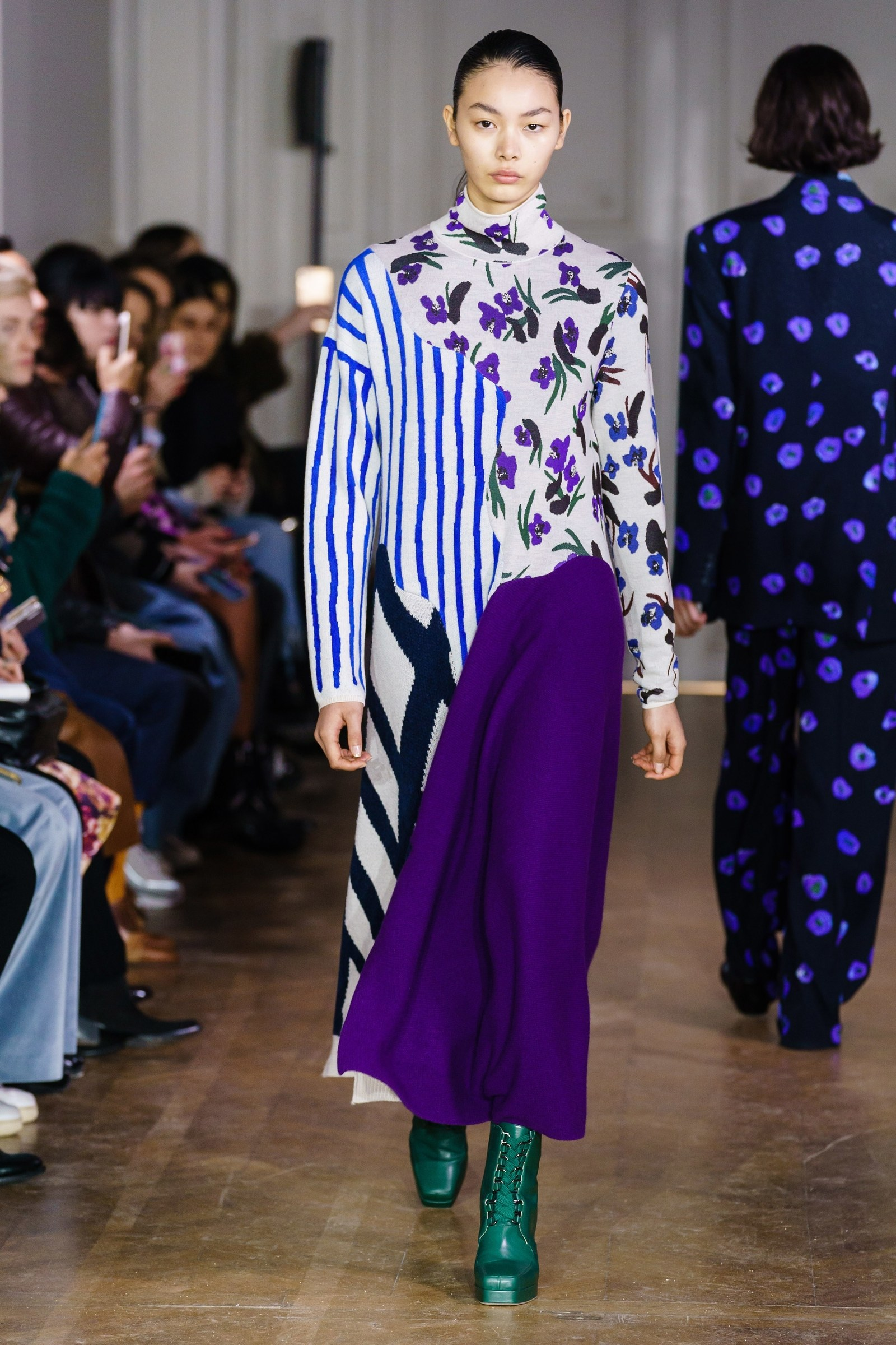 Trends, highlights and moments from Paris Fashion Week Fall/Winter 2019. Everything you need to know now!
